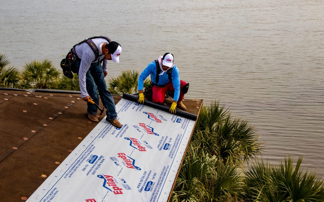 Smooth vs. Granular Roofing Underlayment